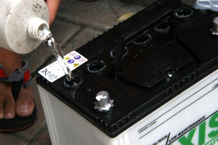 Какая плотность электролита в аккумуляторе