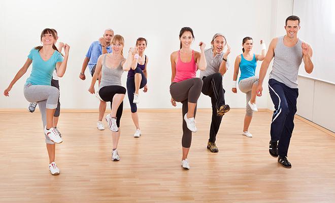 выполнение гимнастических упражнений