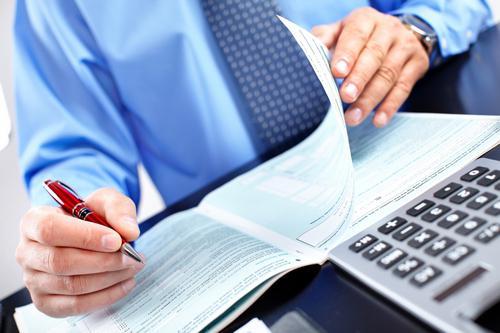 duties of an accountant cashier
