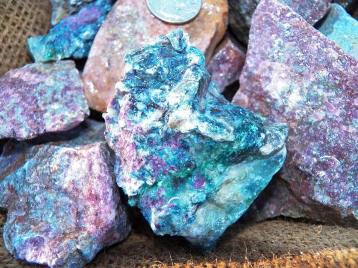 Какие камни подходят водолеям