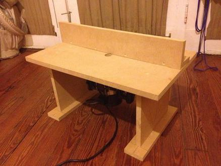 make a table for a manual router