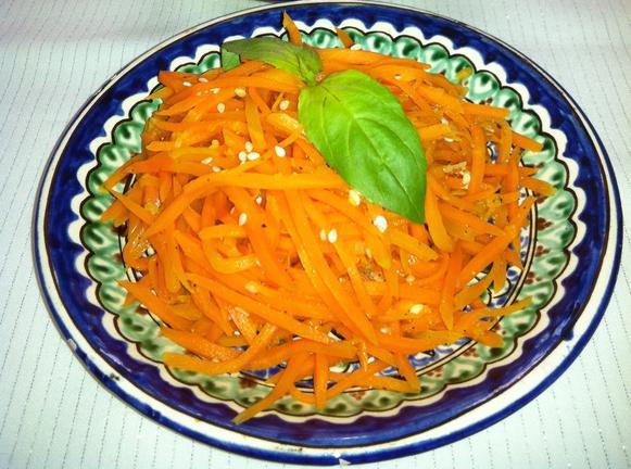 Chanterelle salad with Korean carrot