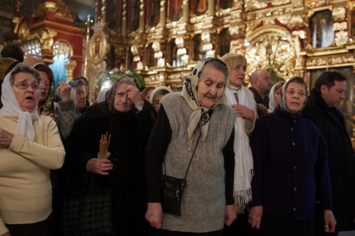 Можно ли беременным ходить в церковь: что говорят священники?