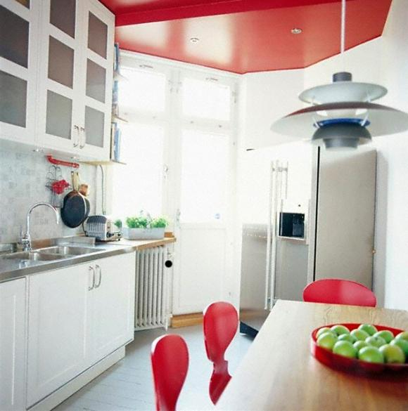 color stretch ceiling in the kitchen