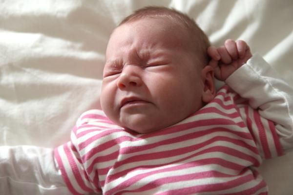 Насморк у грудничка: симптомы, диагностика, лечение и профилактика
