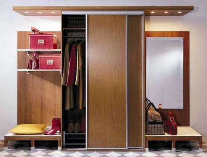 Шкафчик в коридор