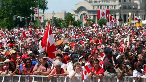население канады составляет