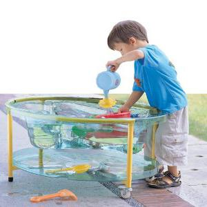 Water. Experiments for children