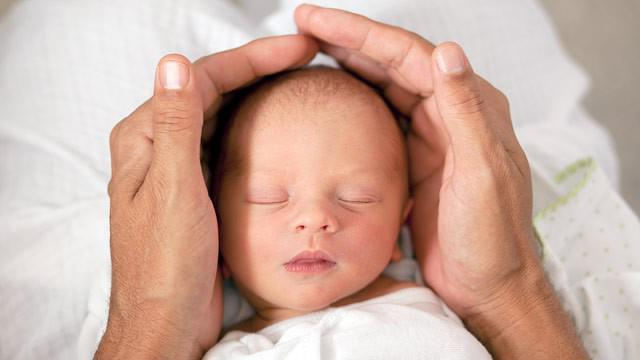 Большой родничок у ребенка закрывается в возрасте