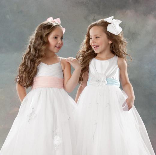 361c3d6ed4c Праздничные платья для девочек 2015 года    SYL.ru