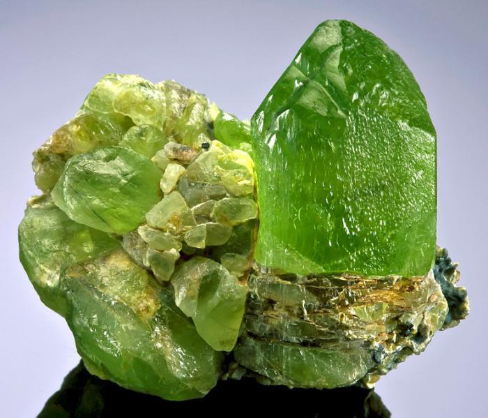 Хризолит камень магические свойства фото