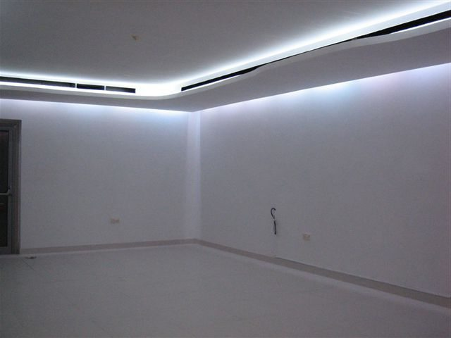 two-level ceiling with lighting