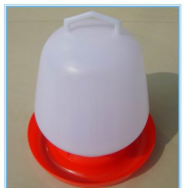 поилка для кур из пластиковой бутылки