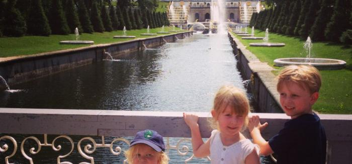 Where to go with a child in St. Petersburg in the autumn holidays