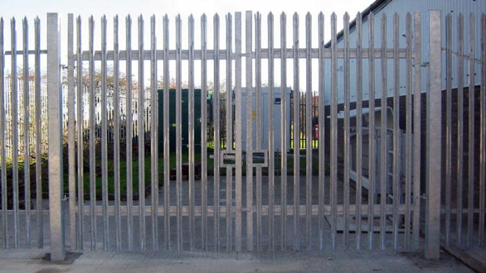 metal picket fence reviews