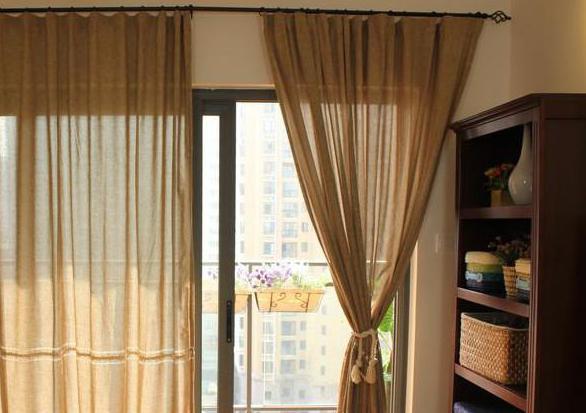Дизайн штор на люверсах в гостиной фото