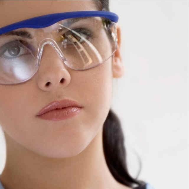 Очки корригирующие - что это такое? Корригирующие очки ...