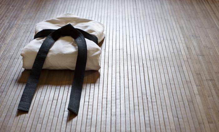 how to tie a kimono belt karate