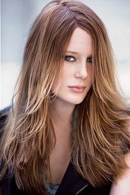 стрижка лесенка на средние волосы фото