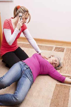 признаки микроинсульта у женщины первая помощь