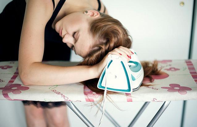 Чем защищать волосы от утюжка в домашних условиях