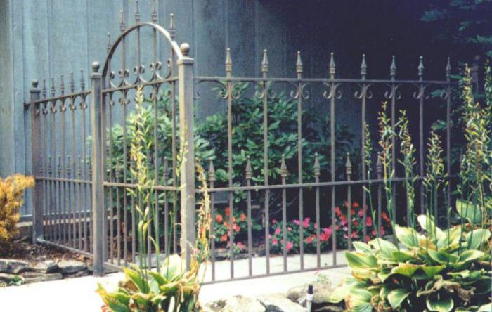 metal fence fence do it yourself
