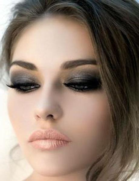 Вечерний темный макияж для зеленых глаз
