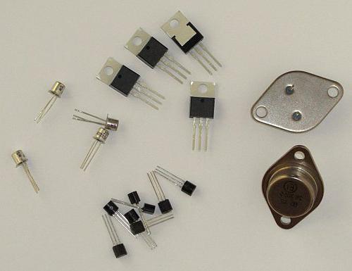 Как протекает ток в транзисторе