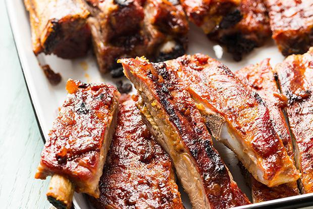 Блюда из копченых свиных ребрышек