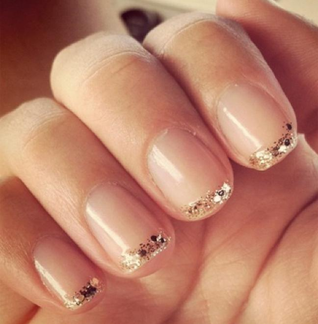 Красивый френч маникюр на короткие ногти дизайн