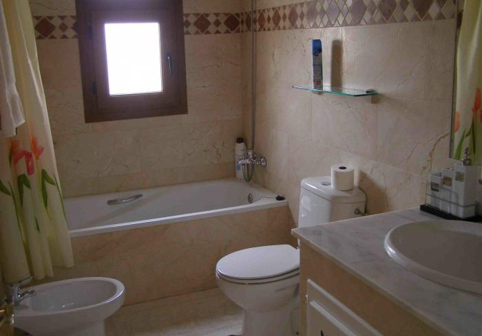 combined bathroom design