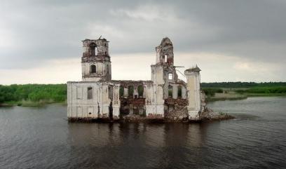 Затопленный город на Волге