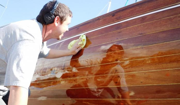outdoor wood varnish