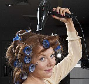как красиво сделать кудри на средние волосы