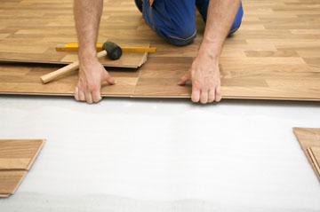 what is better laminate or linoleum in the apartment