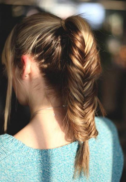simple hairstyle for medium hair with your own hands