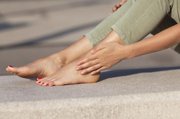 что делать если немеет правая нога