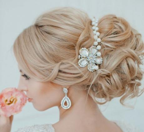 свадебная прическа с начесом на длинные волосы