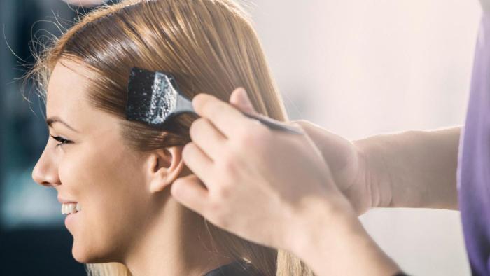перекрашивание из брюнетки в блондинку