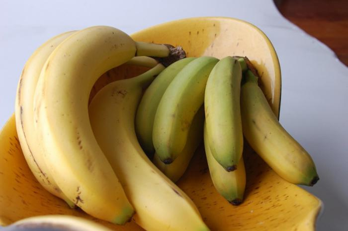 С какого возраста ребенку можно давать банан: рекомендации ... давать