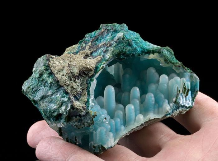 Камень халцедон — свойства, разновидности, фотографии.