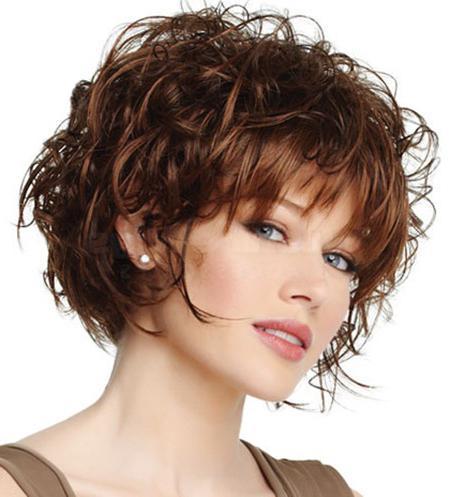 Повседневные прически на вьющиеся волосы