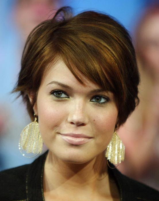 Фото причесок на короткие волосы и круглое лицо