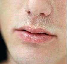 Тонкие губы у мужчины характеристика фото