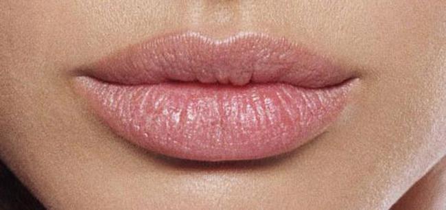 О чем говорит пухлые губы у мужчин