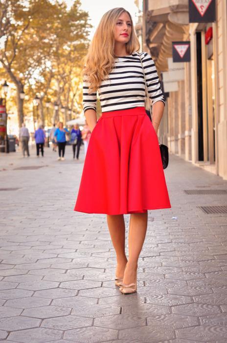 Платье красная юбка черный верх