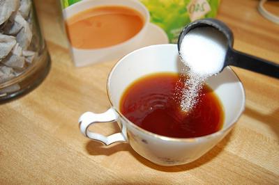 сколько калорий в чае с сахаром