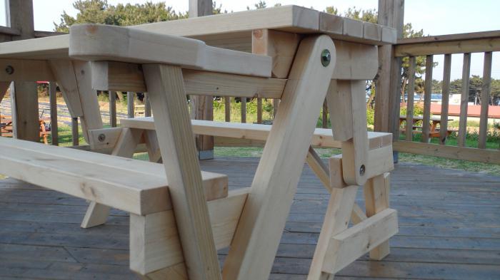 стол складной из дерева