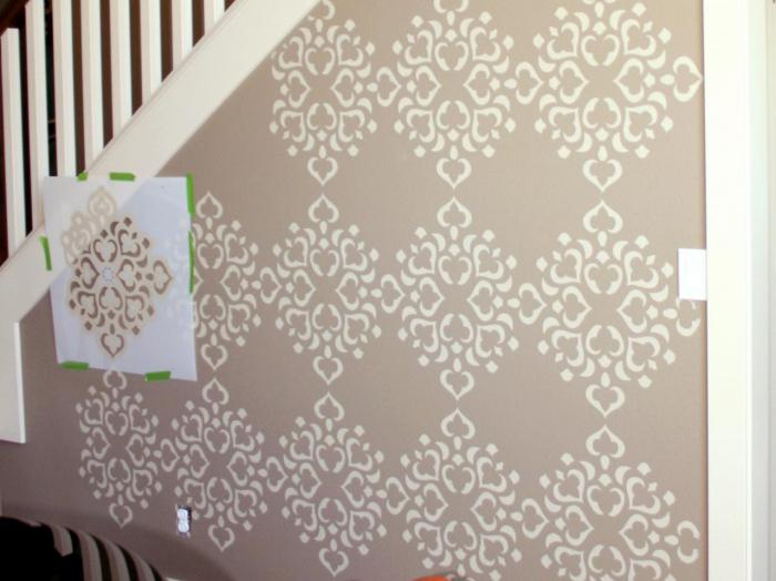 decorating walls with putty with your own hands