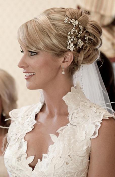 фото прически свадебные на средние волосы с челкой